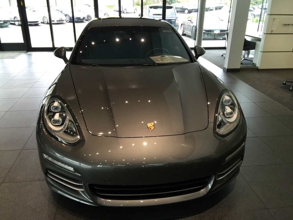 Luxury Vehicle: 2014 Porsche Panamera 4S Executive Hatchback 4 Door 3.0L