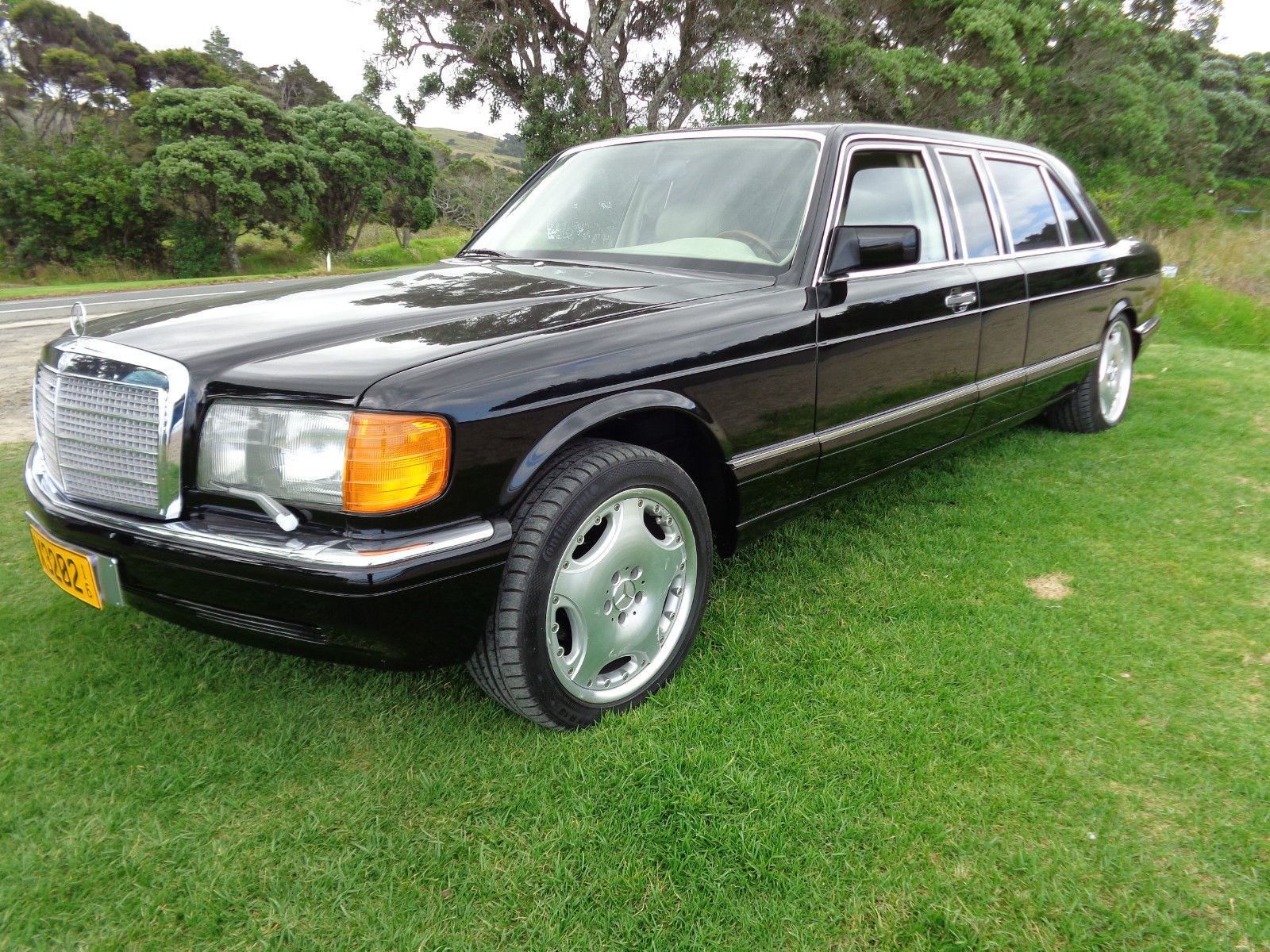 1989 mercedes benz 560 sel carat by duchatelet limousine w126 for sale. Black Bedroom Furniture Sets. Home Design Ideas