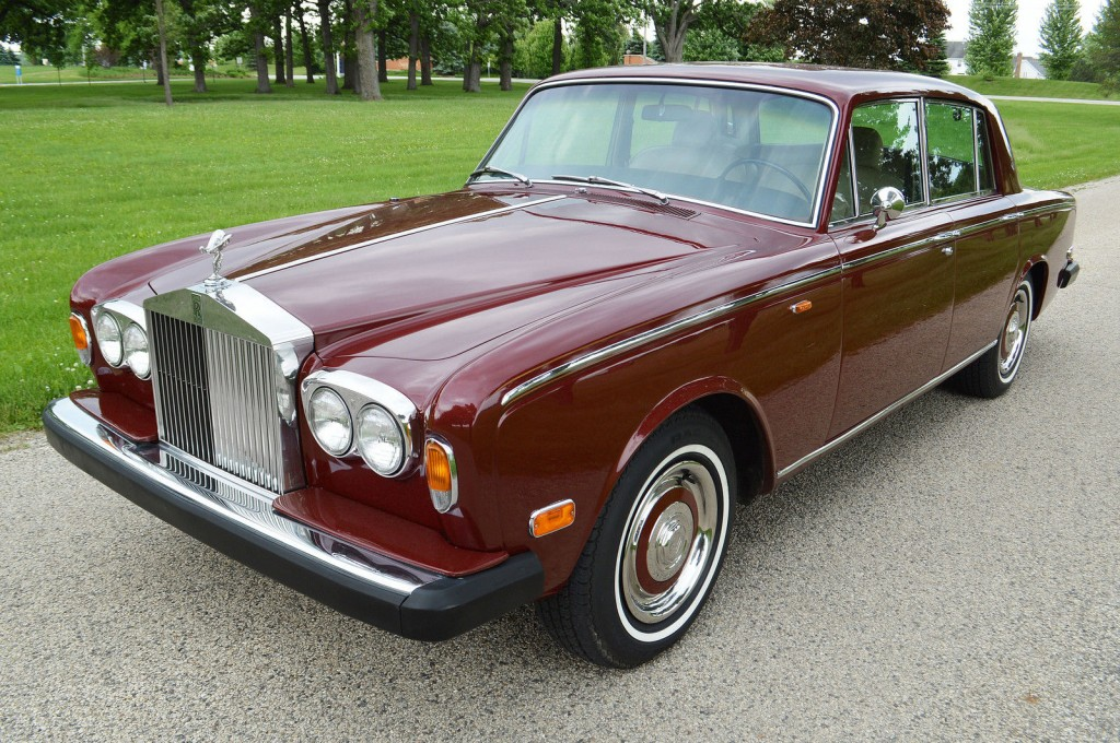 1973 Rolls Royce Silver Shadow sedan