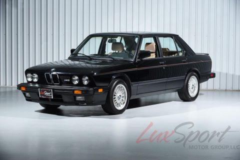 Black Metallic 1988 BMW M5 E28 Sedan for sale