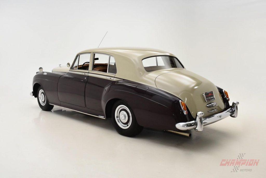 Very nice colour combo on this 2005 Bentley Arnage R ...  |Really Nice Bentley
