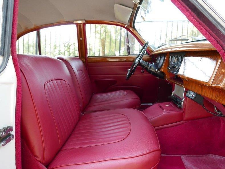 NICE 1967 Jaguar Mark II