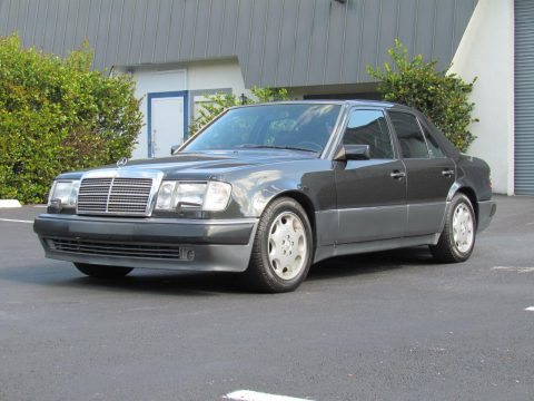 NICE 1993 Mercedes Benz 500E for sale