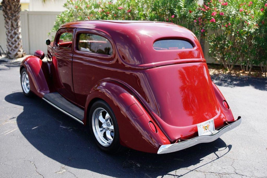 BEAUTIFUL 1936 Ford Sedan
