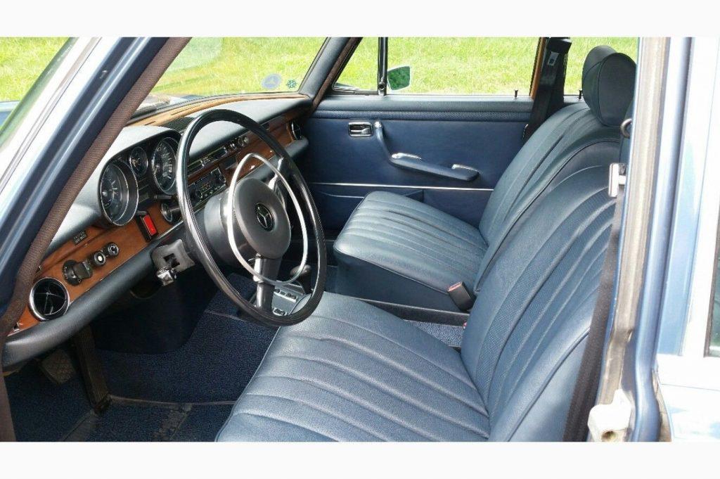 1972 Mercedes Benz 200 Series in excellent condition
